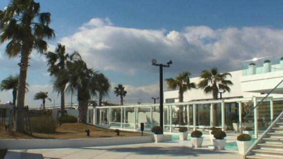海と空をふたり占め!オーシャンビューのチャペルで、開放的なリゾートウエディングを アルモニーヴィラ オージャルダン(HARMONIE VILLA EAU JARDIN)