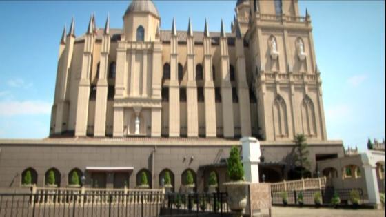 県下最大級を誇るサンタ・ガリシア大聖堂がふたりの歴史のスタートを華やかに演出 サンタガリシア大聖堂