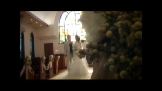 自然の光と木のぬくもりに包まれたチャペルでふたりらしい永遠の誓いを 岡山プラザホテル