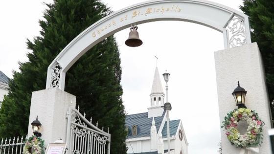 憧れの大聖堂挙式 笑顔溢れるガーデンセレモニーをセントミッシェルで セントミッシェル ガーデンウェディング