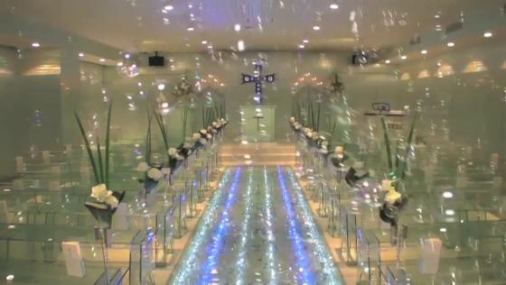 光輝く4万個のクリスタルバージンロードがロマンチック。幻想的な光の演出も素敵! King Ambassador Hotel 熊谷 (キングアンバサダーホテル熊谷)