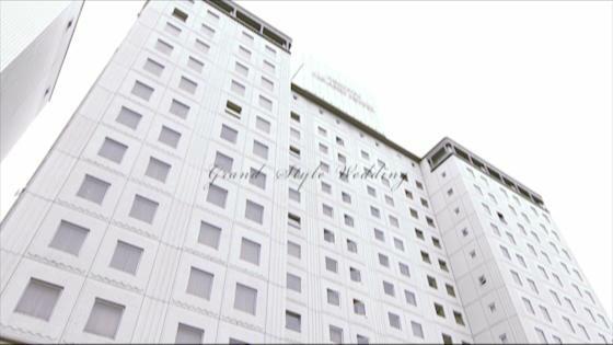 青空の下たたずむ独立型チャペル、緑あふれるガーデンで祝福のフラワーシャワーを… 西鉄グランドホテル
