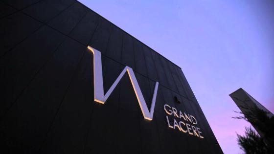 ウェルカムモニターには、お気に入りの映像やふたりからゲストへのメッセージもOK! Wグランラセーレ福山
