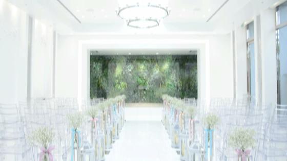 光をふんだんに取り入れた純白のチャペル HOTEL OLE Blossomole(ホテルオーレ ブロッサモーレ)