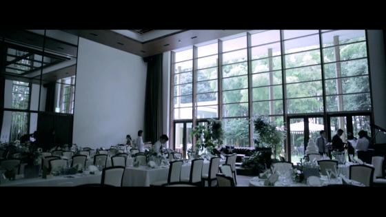 緑溢れる会場を貸切に!新郎新婦とゲストの笑顔がいっぱいのアットホームパーティ ラヴィス・ヴィラ・スイート
