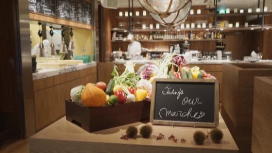 ふたりらしい特別空間で美食と会話を楽しむ 心温まるアットホームウエディングを LOS ANGELES BALCONY RESTAURANT&BAR(ロサンジェルス バルコニー レストラン&バー)
