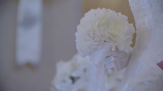 【ありがとう】を伝える場所、ふたりとゲストが自然に笑顔になるチャペル結婚式 ピアザ デッレ グラツィエ
