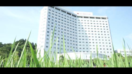木・緑・石がコンセプトの真っ白な独立型チャペルで感動的な挙式で感動的な1日を演出 ANAクラウンプラザホテル成田