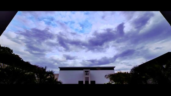 青空に祝福される至福のリゾートウエディング ヒルズスィーツ宇都宮ブリーズテラス