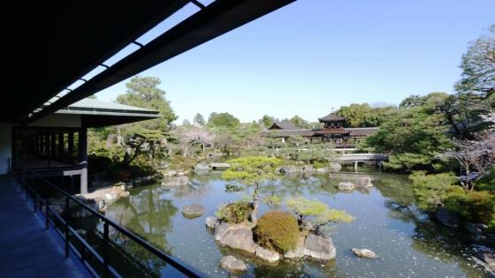 名勝指定庭園「神苑」をのぞむ非日常な空間で、想いを紡ぐ、結婚式を 平安神宮会館