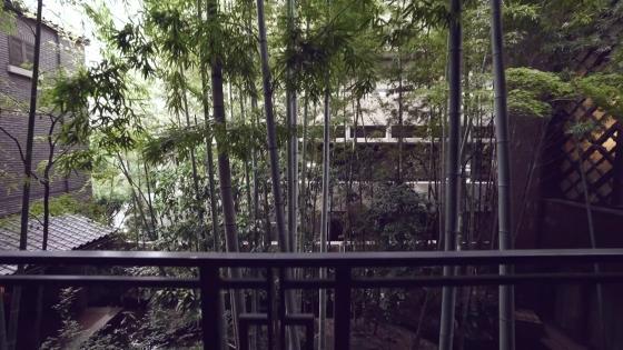 自然光と木のぬくもりに包まれる正統な大聖堂で、感動的なウエディングを フォーチュン ガーデン 京都(FORTUNE GARDEN KYOTO)