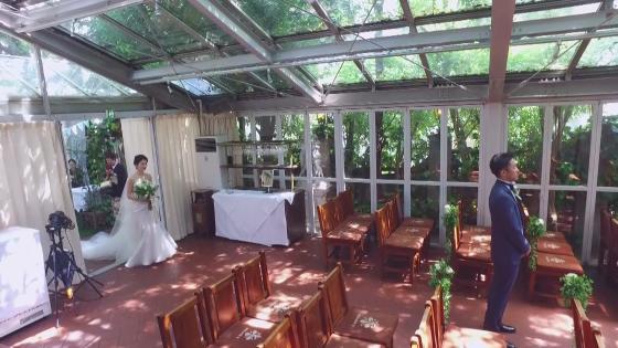 全天候型チャペルと緑に包まれた空間。我が家のようなアットホームなパーティが叶う イルブッテロ