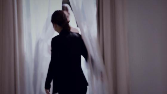 外観から花嫁を虜にする白亜の一軒家。天井が開閉式になっているチャペルは圧巻! 青山迎賓館