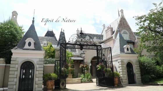 爽やかな水音、風が揺らす樹木、緑豊かな洋館で過ごす心温まる自然美のウエディング エスプリ・ド・ナチュール(Esprit de Nature)
