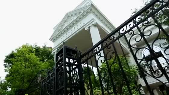 【代官山駅/徒歩5分】教会付き白亜の邸宅を貸切る、自然豊かでアットホームな結婚式 アーカンジェル代官山